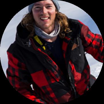 round-snowboarder